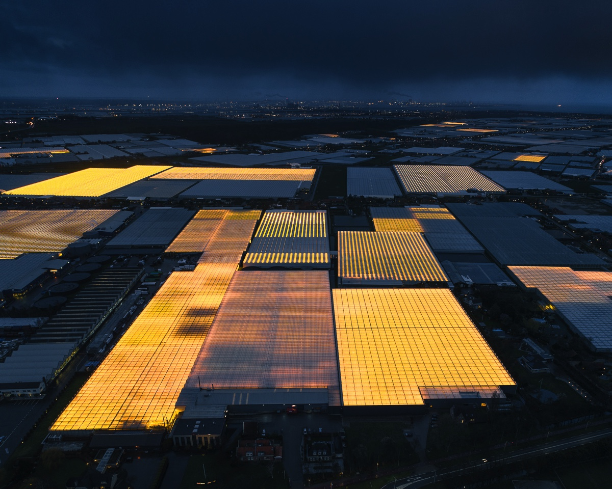 The Ever-Present Glow of LED Greenhouses Documented by Aerial Photographer Tom Hegen →